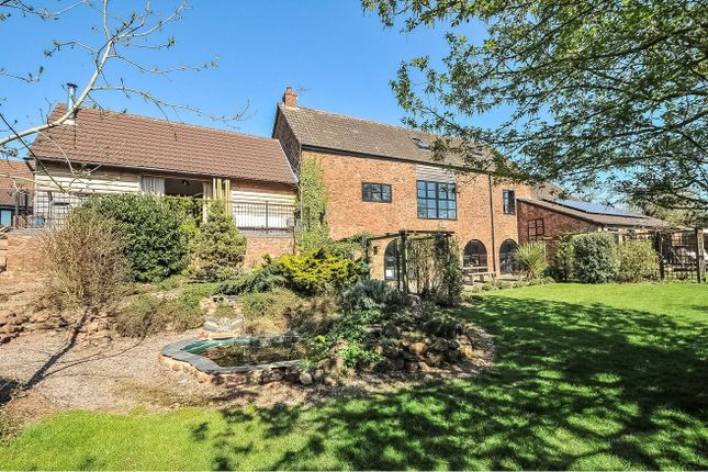 6 bed barn conversion for sale in Wick Lane, Taunton