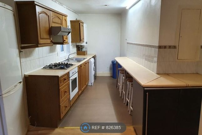 Thumbnail Flat to rent in Graham Road, Mitcham