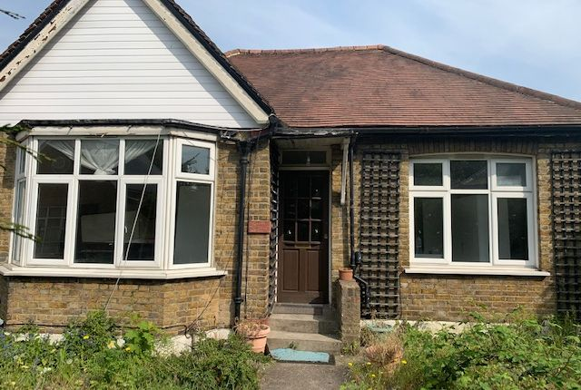 Thumbnail Bungalow to rent in Lampton Road, Hounslow