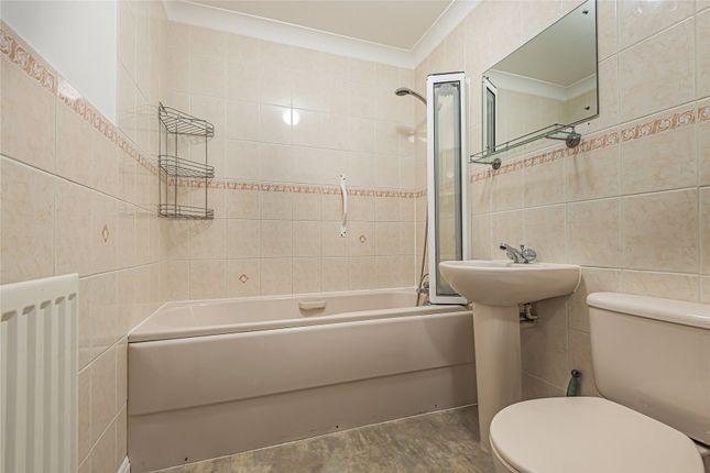 Picture No. 12 of Fernhill Place, 320 Tubbenden Lane South, Farnborough Village, Kent BR6