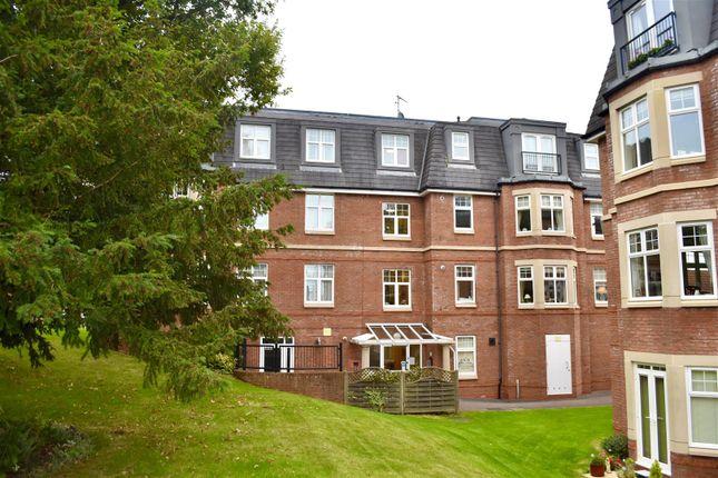 2 bed flat for sale in Kinglake Drive, Taunton TA1