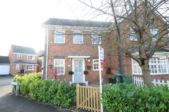 2 bed property for sale in Lark Vale, Watermead, Aylesbury