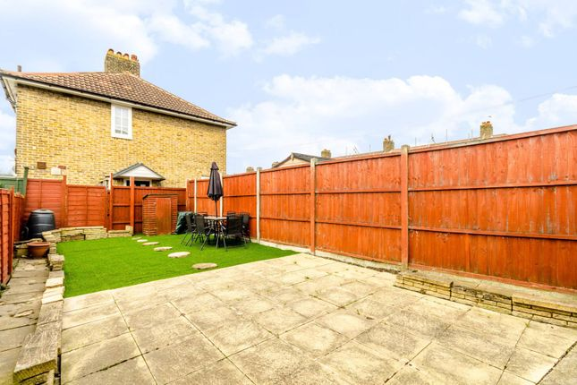 Thumbnail Terraced house for sale in Durham Hill, Bromley