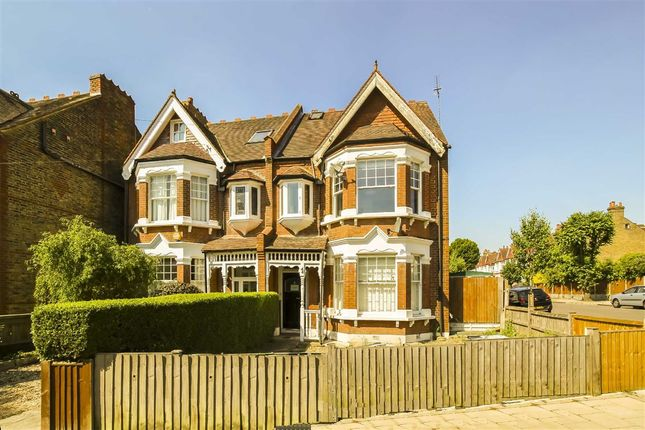 1 bed flat for sale in Braxted Park, London