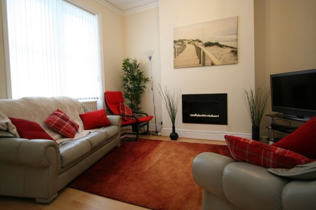 Thumbnail Room to rent in Mundella Terrace, Newcastle Upon Tyne