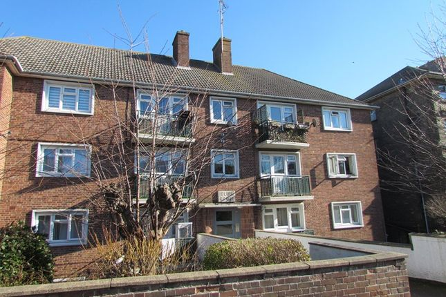 Thumbnail Flat to rent in Cliff Court, Cliff Road, Dovercourt