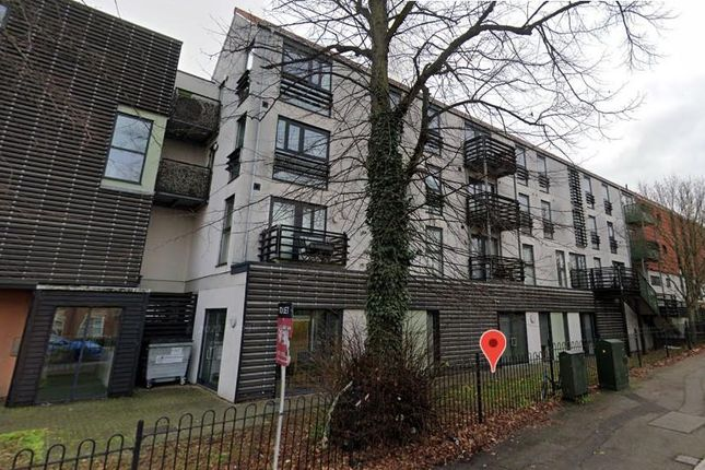 2 bed flat to rent in Upper Chase, Chelmsford CM2