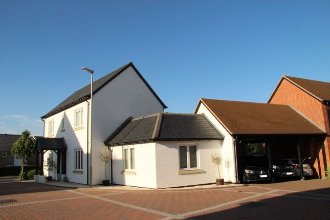 3 bed detached house to rent in Camellia Way, Whiteley, Fareham