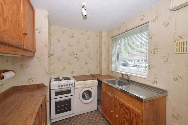 2 bed maisonette for sale in Cotswold Court, Horsham, West Sussex