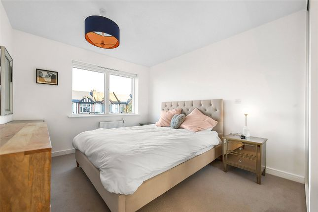 1 bed flat for sale in Kingston Road, Raynes Park, London SW20