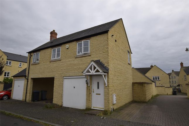 Thumbnail Maisonette to rent in Pine Rise, Witney, Oxfordshire
