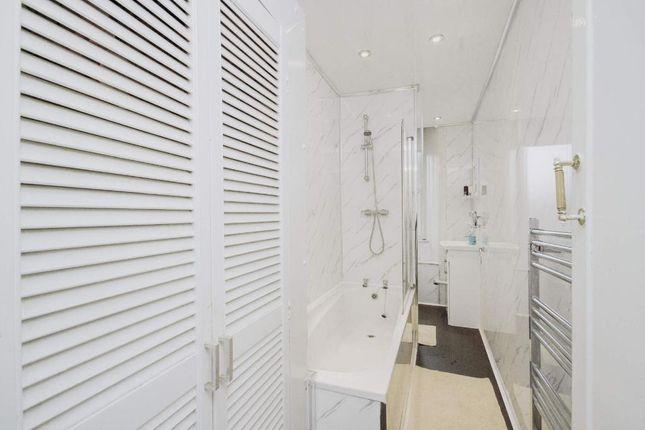 Bathroom of Wellshot Road, Glasgow G32