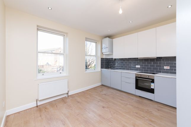 Thumbnail Maisonette to rent in Marton Road, Stoke Newington