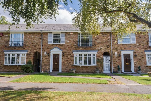 Thumbnail Terraced house to rent in West Common Close, Gerrards Cross, Bucks
