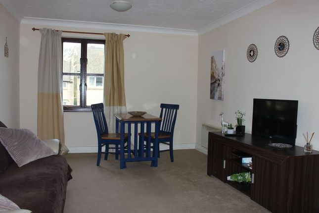 Thumbnail Maisonette to rent in Canons Court, Melksham
