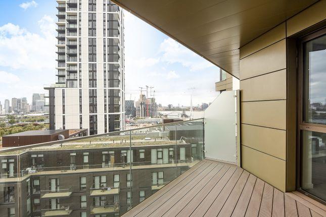 Balcony of The Lighterman, Lower Riverside, Greenwich Peninsula, Pilot Walk SE10