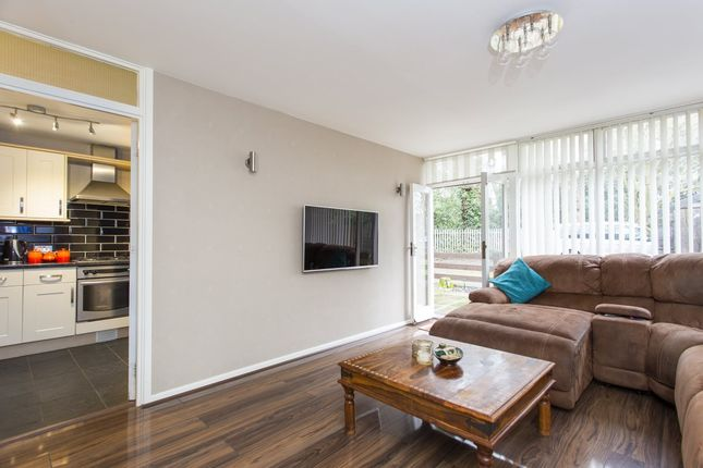 2 bed flat for sale in Finchley Park, London