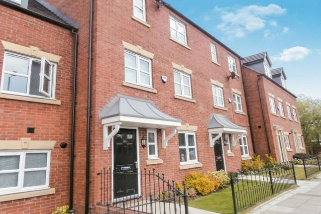 Thumbnail Terraced house for sale in Manchester Road, Hyde