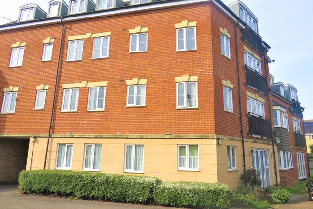 Thumbnail Flat for sale in Lindler Court, Leighton Buzzard