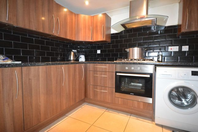 Thumbnail Semi-detached house to rent in Wrotham Road, Gravesend