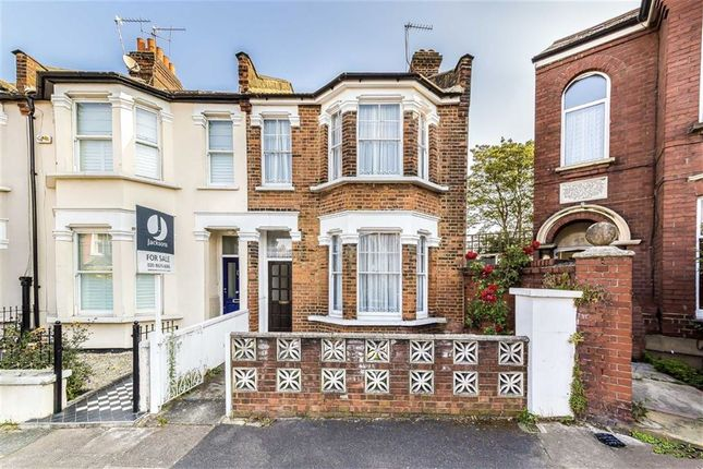 Thumbnail Terraced house for sale in Radbourne Road, Balham