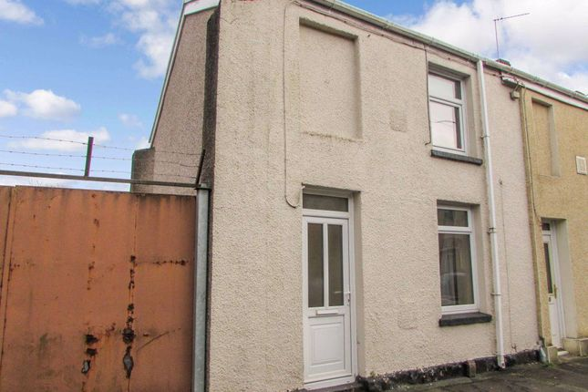 2 bed property to rent in Henry Street, Neath SA11
