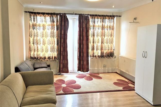 Thumbnail Property to rent in South Park Drive, Ilford