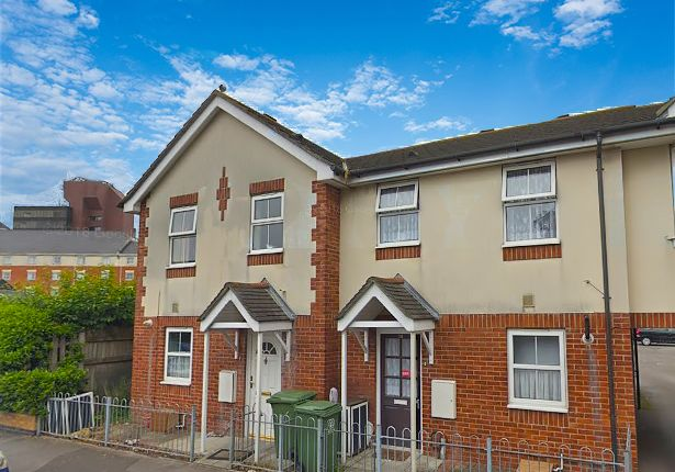 Thumbnail Room to rent in Garfield Road, Portsmouth