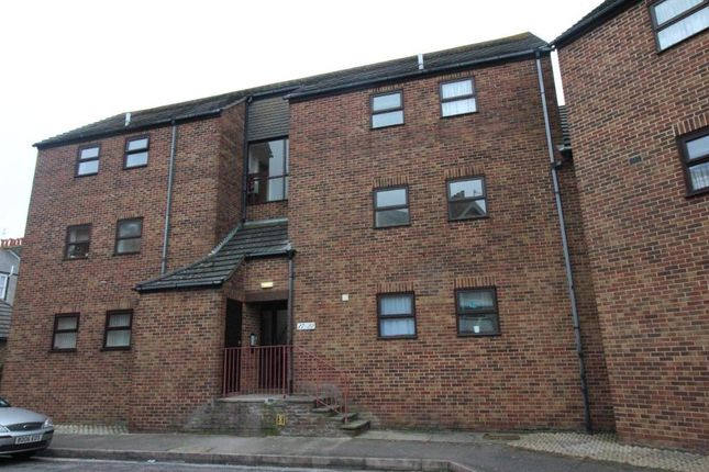 Thumbnail Flat to rent in Chelmsford Street, Weymouth, Dorset
