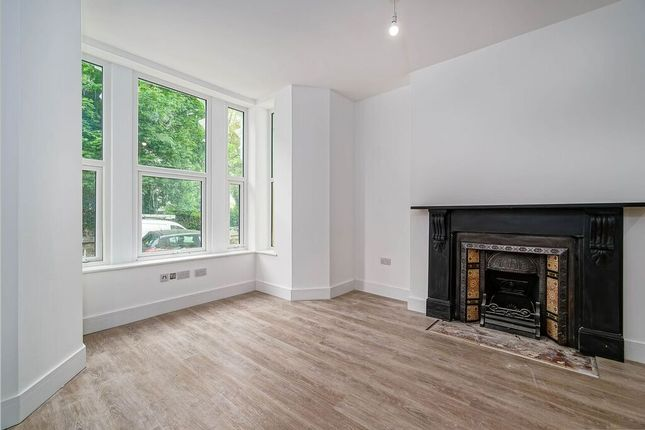 Thumbnail Flat to rent in Connaught Avenue, Mutley Plain, Plymouth