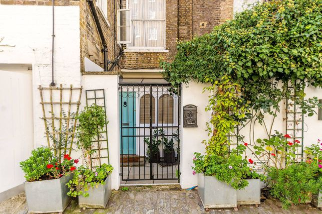 1 bed flat for sale in Westbourne Terrace Mews, Paddington