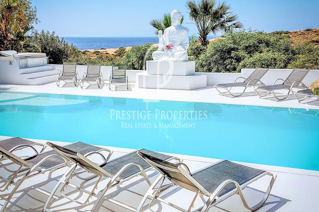 Thumbnail Chalet for sale in Cap Martinet, Ibiza, Spain - 07800