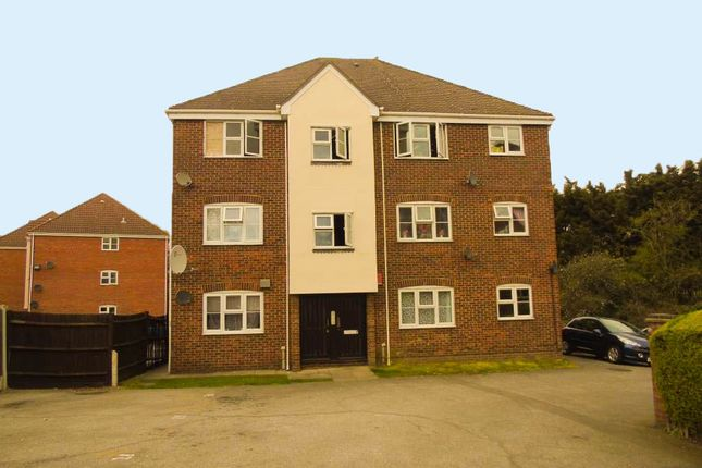 Thumbnail Flat for sale in Butteridges Close, Dagenham