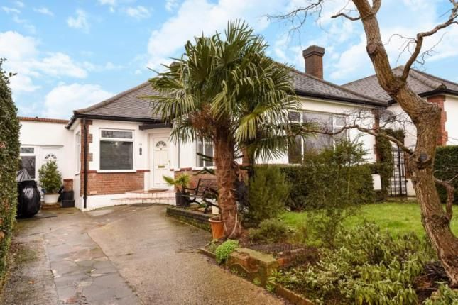 Thumbnail Bungalow for sale in Page Street, Mill Hill, London