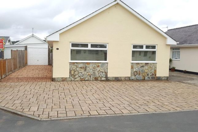 Thumbnail Detached bungalow for sale in Cefn Y Gader, Morfa Bychan, Porthmadog