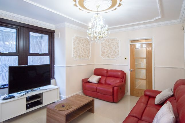 Thumbnail Shared accommodation to rent in Colchester Road, London
