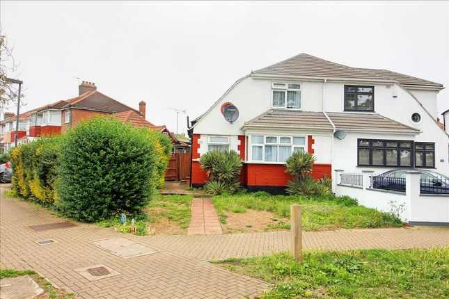 Main Picture of Mollison Way, Edgware HA8