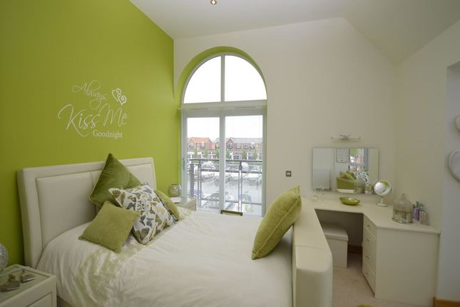 Thumbnail Property to rent in The Quays, Burton Waters, Lincoln
