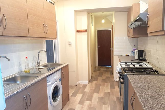 Thumbnail Terraced house to rent in Pinglestone Close, Harmondsworth, West Drayton