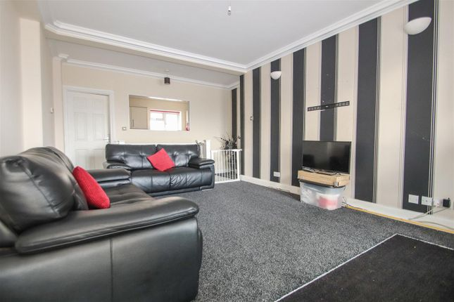 Lounge of Sapphire Court, Eastern Esplanade, Southend-On-Sea SS1