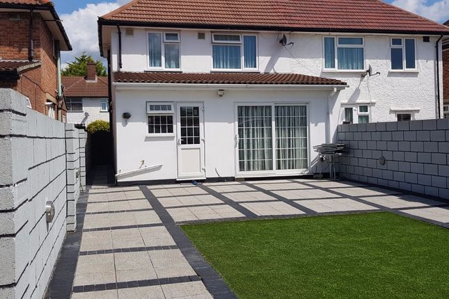 Thumbnail Terraced house to rent in Summerhouse Avenue, Hounslow