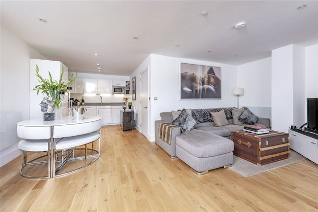 Thumbnail Flat for sale in Underhill Road, London