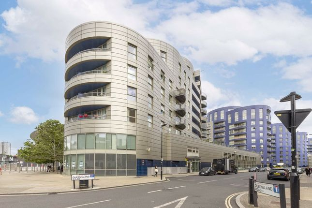 Thumbnail Flat to rent in Queensland Road, London