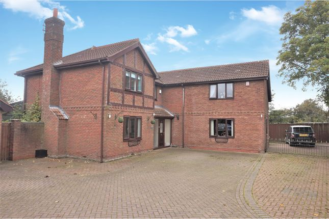 Detached house for sale in Barnoldby Road, Waltham