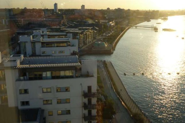 Thumbnail Penthouse to rent in 14th Floor, Penthouse - Royal Artillery Quays, Riverside -