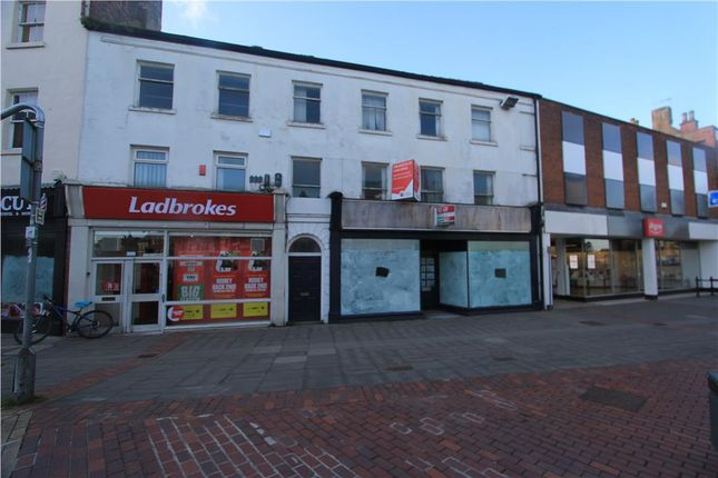 Commercial property to let in 31 Market Place, Retford, Nottinghamshire