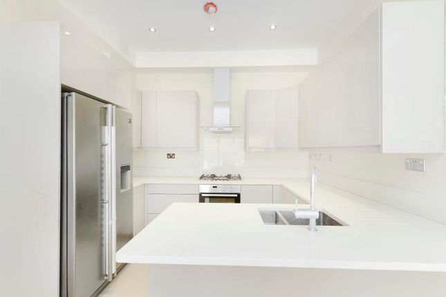 Thumbnail Flat for sale in Mortimer Road, London