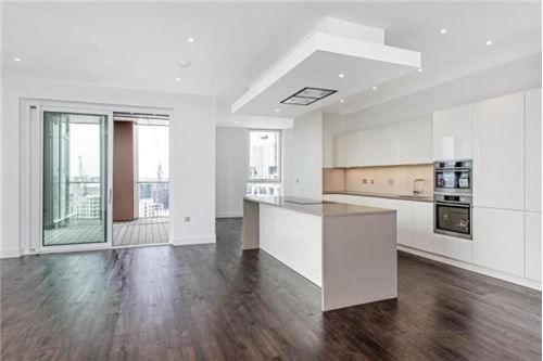 Thumbnail Flat for sale in Wandsworth Road, Vauxhall, London