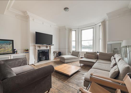 Thumbnail Flat to rent in Cheyne Walk, Chelsea, London