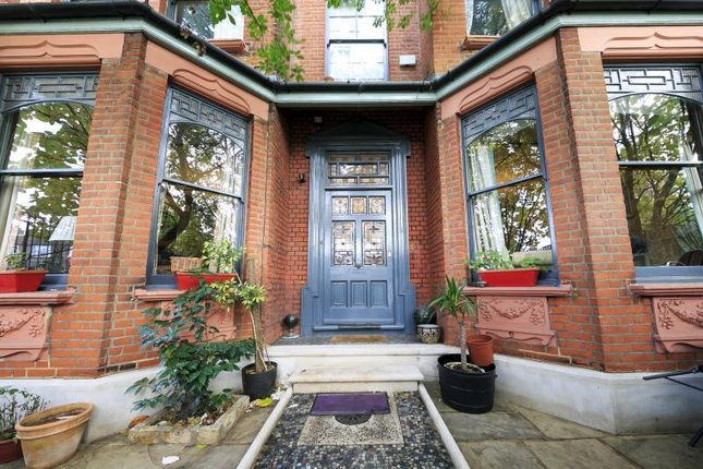 Thumbnail Property for sale in Sandycombe Road, Kew
